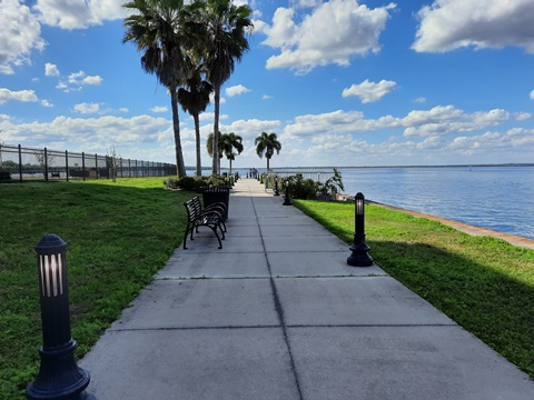 St. Johns River Steak & Seafood, Sanford